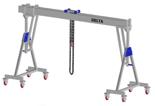33960102 Wciągarka bramowa aluminiowa z możliwością przejazdu pod obciążeniem, z wózkiem pchanym i wciągnikiem łańcuchowym miproCrane DELTA 800S (udźwig: 2000 kg, szerokość: 5100 mm, wysokość: 2720/3470 mm)