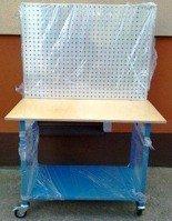 77156974 Stół mobilny na kółkach z tablicą narzędziową (wymiary: 1200x600x900 mm)