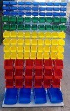 77157419 Regał z pojemnikami plastikowymi, 103 pojemniki (wymiary: 2000x1000x400 mm)