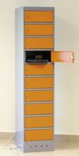 99552424 Szafa na laptopy, z gniazdkami elektrycznymi, 10 drzwiczek (wymiary: 1800x400x500 mm)