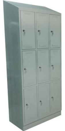 00150537 Szafa skrytkowa z daszkiem, 3 segmenty, 9 skrytek (wymiary: 2135x900x480 mm)