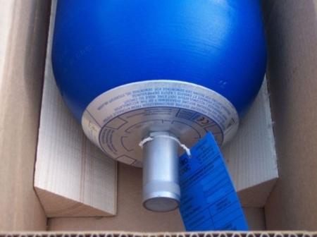 01538870 Akumulator hydrauliczny pęcherzowy Hydro Leduc ABVE 32 (objętość azotu: 32 l/dm³, maksymalne ciśnienie: 330 bar)