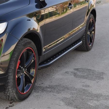 01655887 Stopnie boczne, czarne - Caddilac SRX 2009+ (długość: 182 cm)
