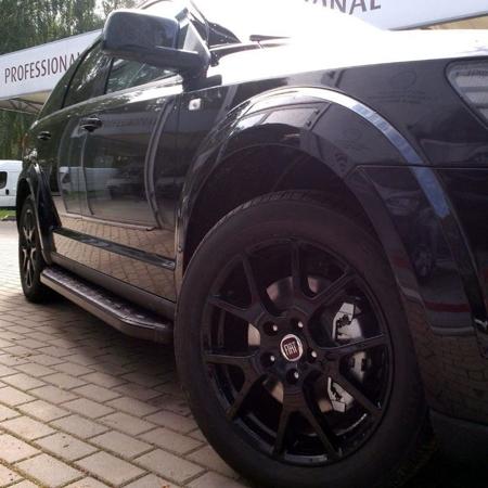 01655937 Stopnie boczne, czarne - Mercedes ML W164 2004-2011 (długość: 193 cm)