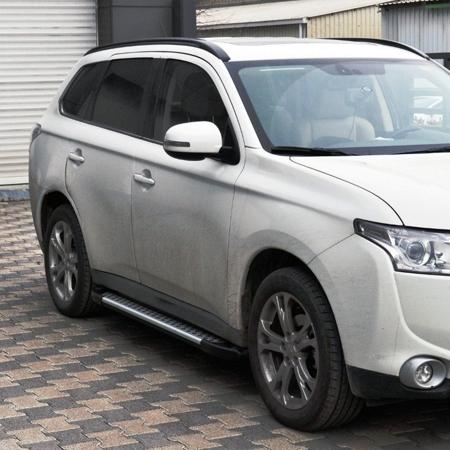 01656054 Stopnie boczne - Nissan Primastar 2001-2014 short (długość: 230 cm)