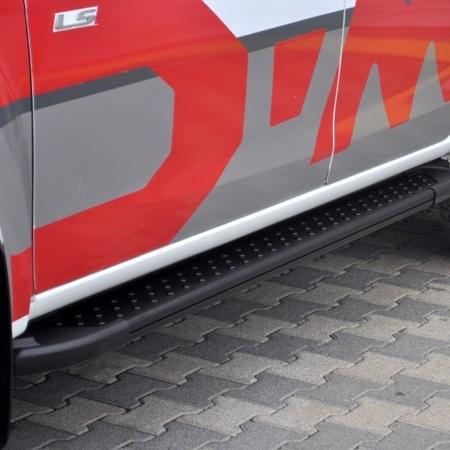 01656150 Stopnie boczne, czarne - Nissan Primastar 2001-2014 short (długość: 230 cm)