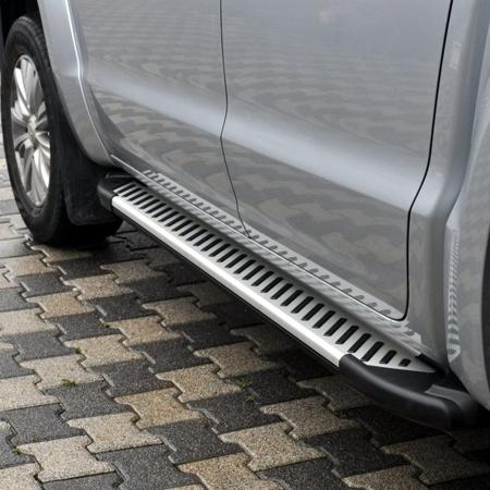 01656364 Stopnie boczne, paski - Volkswagen T5 & T6 2015- short (długość: 205-217 cm)