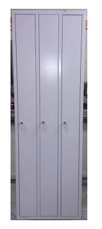 77157013 Szafa odzieżowa BHP z przegrodami, 3 drzwi (wymiary: 1800x1200x480 mm)