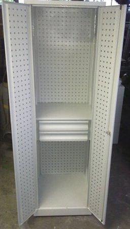 77157252 Szafa narzędziowa z ściankami perforowanymi, 1 półka, 2 szuflady (wymiary: 2000x600x600 mm)
