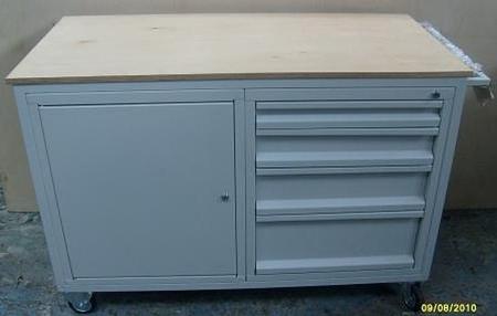 77157371 Wózek serwisowy, 4 szuflady, 1 szafka (wymiary: 1220x600x900 mm)